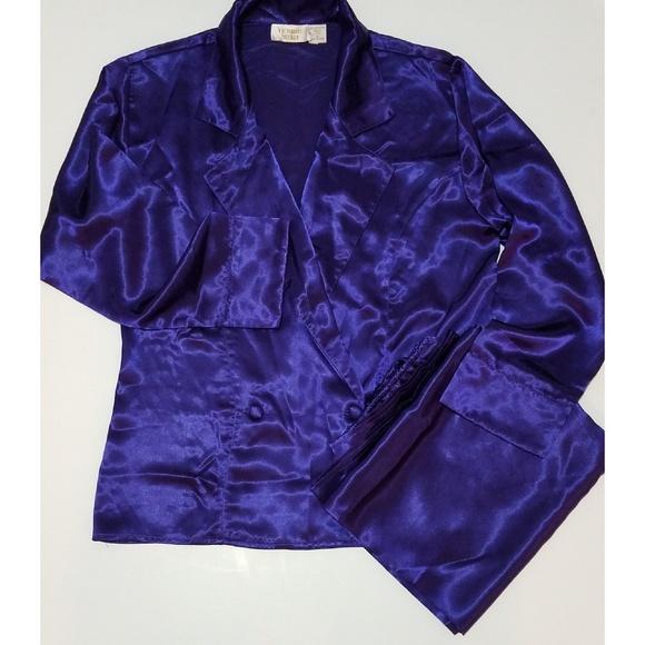 ee1f9eccb2108 Vintage 80's Victoria's Secret 2 Piece Pajama Set
